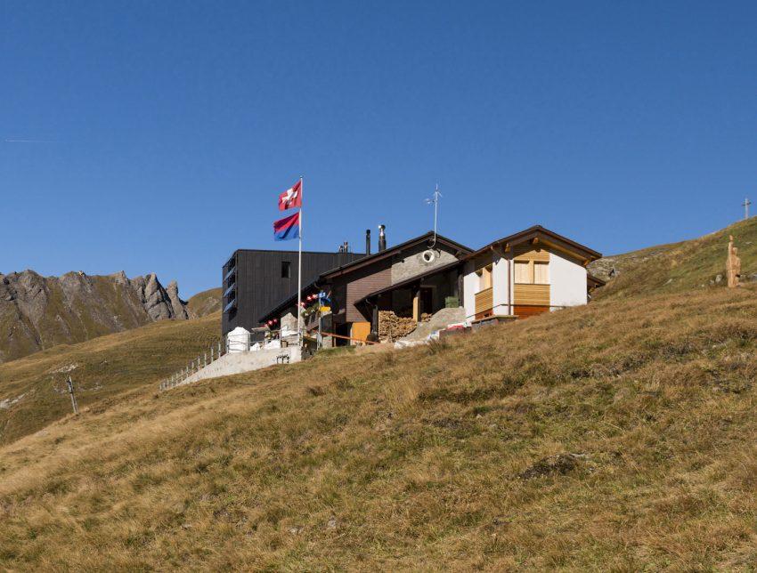 La capanna vista dal sentiero
